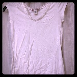 White tee with beaded neckline